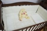 - сменные постельные комплекты