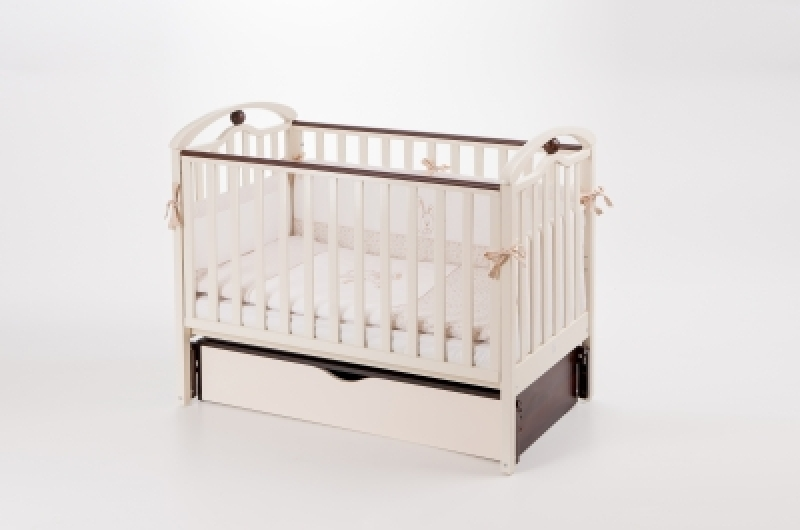 Кроватка детская ЛД 5 (продольный маятник+ящик), слоновая кость/орех