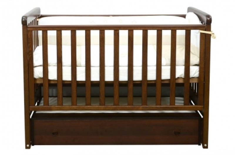 Кроватка детская ЛД 12, резьба лапки, орех